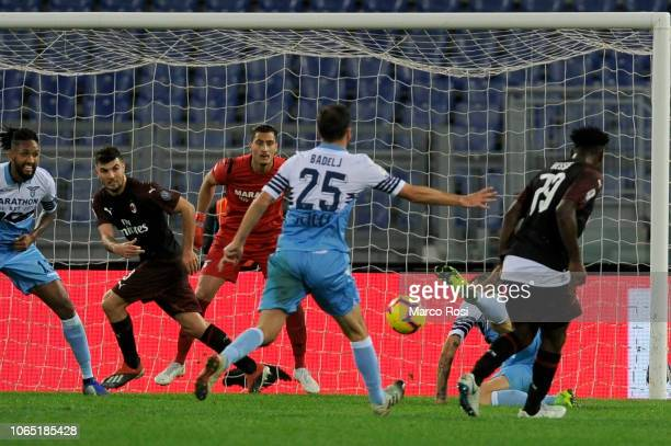 Franck Kessie of AC Milan scores the opening goal during the Serie A match between SS Lazio and AC Milan at Stadio Olimpico on November 25 2018 in...