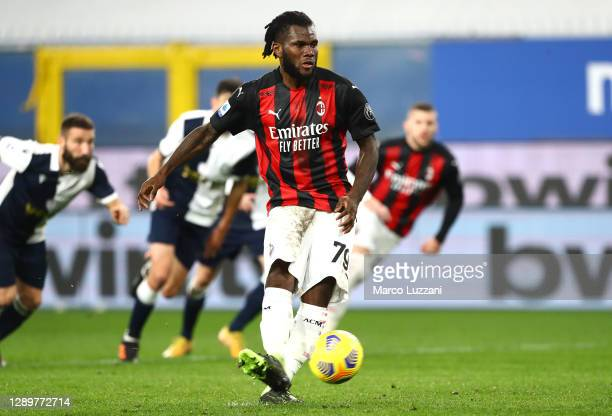 Franck Kessie of AC Milan scores their sides first goal from the penalty spot during the Serie A match between UC Sampdoria and AC Milan at Stadio...