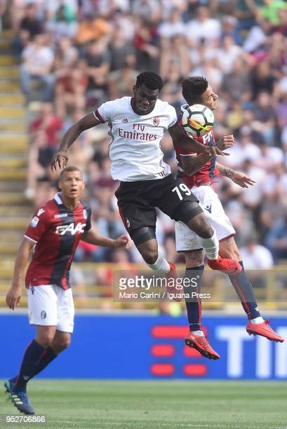 Franck Kessie of AC Milan wins a header during the serie A match between Bologna FC and AC Milan at Stadio Renato Dall'Ara on April 29 2018 in...