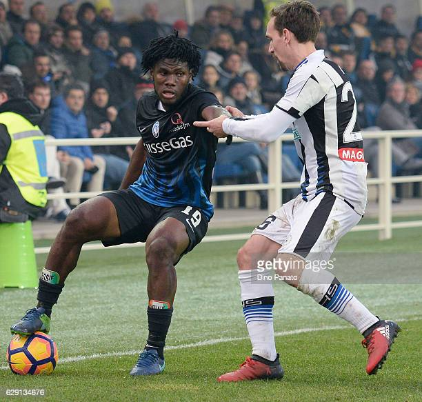 Franck Kessie of Atalanta BC competes with with Sven Kums of Udinese Calcio during the Serie A match between Atalanta BC and Udinese Calcio at Stadio...