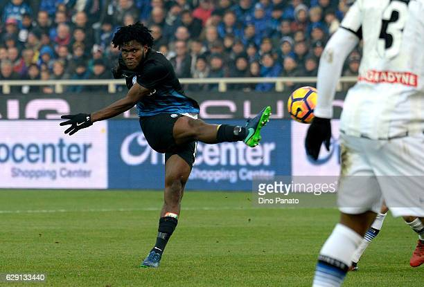 Franck Kessie of Atalanta BC in action during the Serie A match between Atalanta BC and Udinese Calcio at Stadio Atleti Azzurri d'Italia on December...
