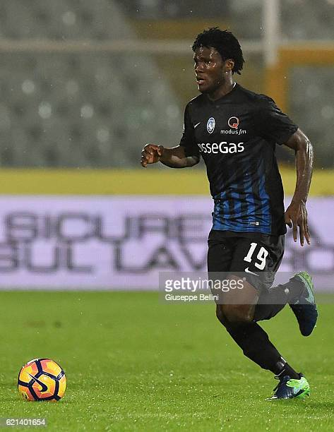 Franck Kessie of Atalanta BC in action during the Serie A match between Pescara Calcio and Atalanta BC at Adriatico Stadium on October 26 2016 in...