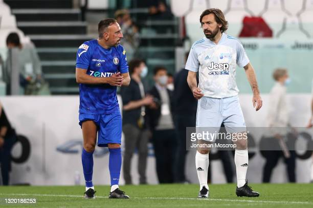 Franck Ribery discusses with Andrea Pirlo Head coach of Juventus during the 30th 'Partita Del Cuore' charity friendly match between Nazionale...