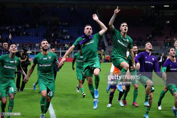 Franck Ribery of Ac Fiorentina celebrates with his teammates at the end of the Serie A match between Ac Milan and Acf Fiorentina. Acf Fiorentina wins...