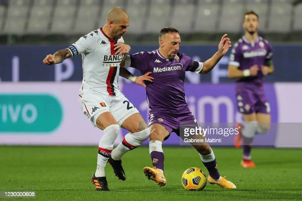 Franck Ribery of ACF Fiorentina battles for the ball with Stefano Sturaro of Genoa CFC during the Serie A match between ACF Fiorentina and Genoa CFC...