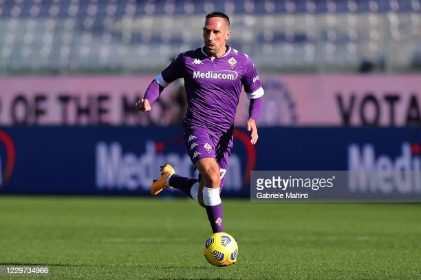 Franck Ribery of ACF Fiorentina in action during the Serie A match between ACF Fiorentina and Benevento Calcio at Stadio Artemio Franchi on November...