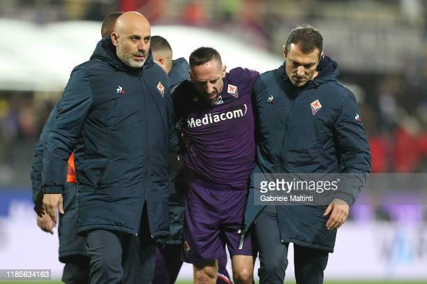 Franck Ribery of ACF Fiorentina les the pitch injured during the Serie A match between ACF Fiorentina and US Lecce at Stadio Artemio Franchi on...