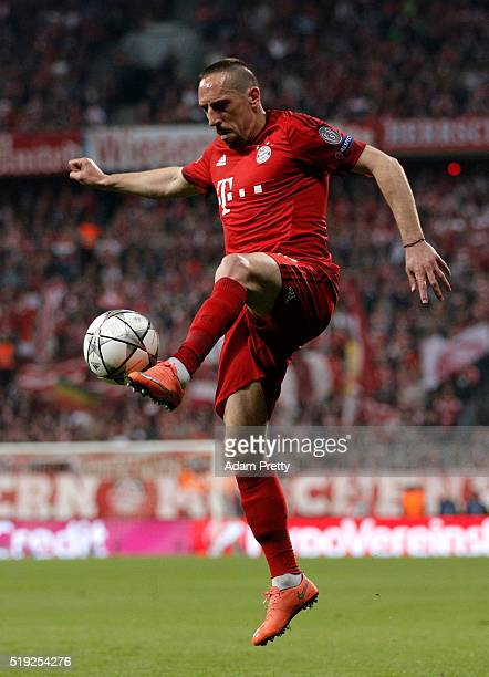 Franck Ribery of Bayern Munich controls the ball during the UEFA Champions League quarter final first leg match between FC Bayern Muenchen and SL...