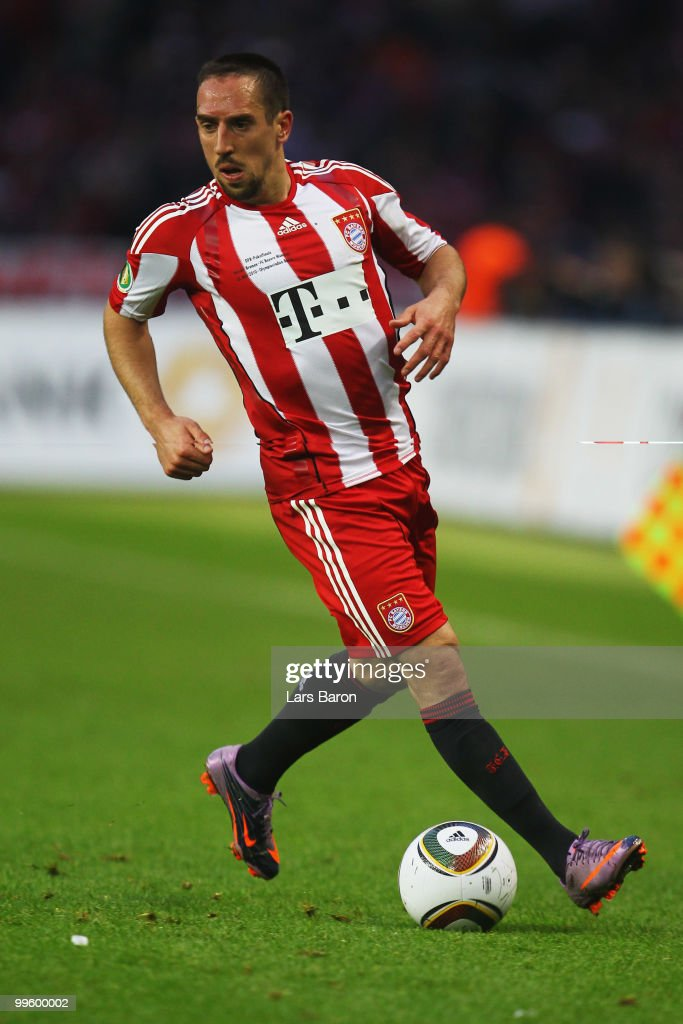 Franck Ribery of Bayern runs with the ball during the DFB Cup final match between SV Werder Bremen and FC Bayern Muenchen at Olympic Stadium on May 15, 2010 in Berlin, Germany.