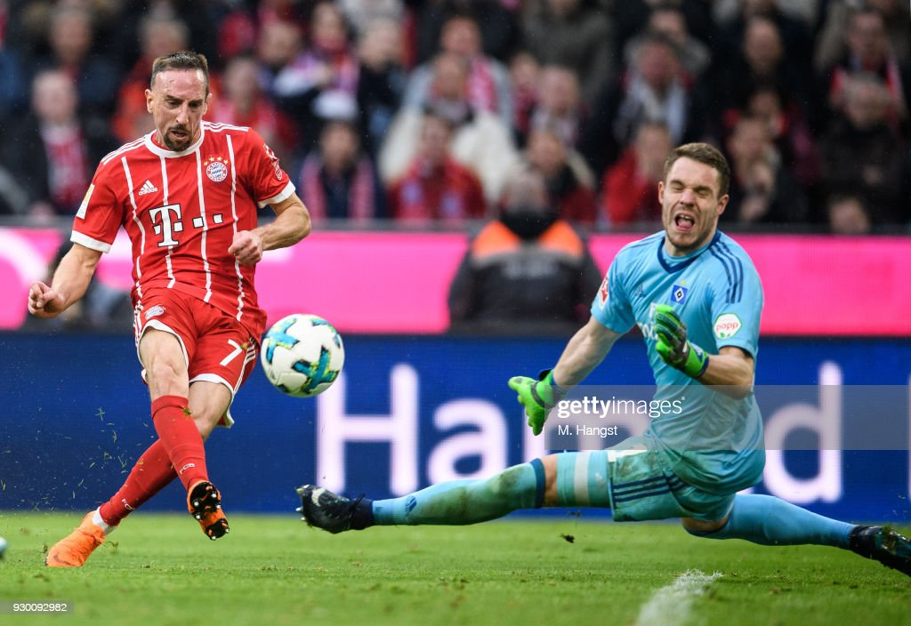 Franck Ribery of FC Bayern Muenchen scores his team's fifth goal past goalkeeper Christian Mathenia of Hamburg during the Bundesliga match between FC Bayern Muenchen and Hamburger SV at Allianz Arena on March 10, 2018 in Munich, Germany.
