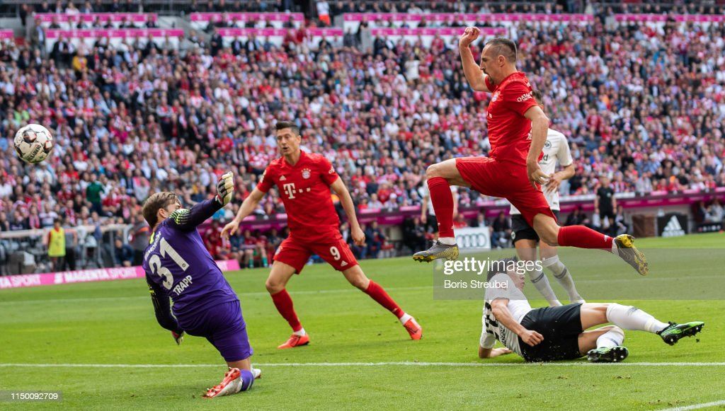 FC Bayern Muenchen v Eintracht Frankfurt - Bundesliga : Foto di attualità
