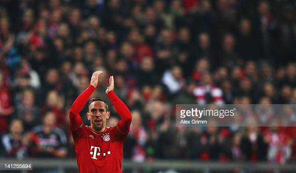 Franck Ribery of Muenchen applauds to supporters after being substituted during the UEFA Champions League Round of 16 second leg match between FC...