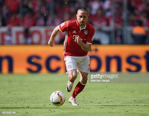 Franck Ribery of Muenchen controls the ball during the Bundesliga match between FC Bayern Muenchen and Hannover 96 at Allianz Arena on May 14 2016 in...