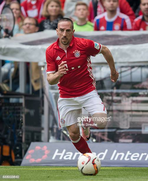 Franck Ribery of Muenchen runs with the ball during the Bundesliga match between FC Bayern Muenchen and Hannover 96 at Allianz Arena on May 14 2016...