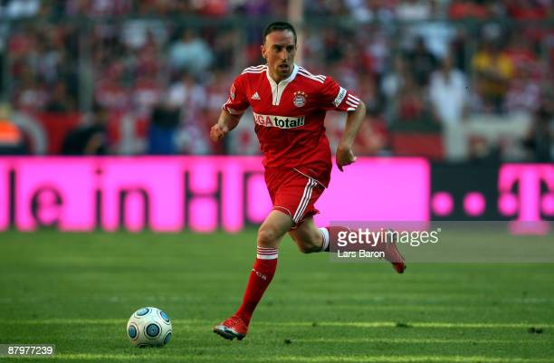 Franck Ribery of Muenchen runs with the ball during the Bundesliga match between FC Bayern Muenchen and VfB Stuttgart at Allianz Arena on May 23 2009...