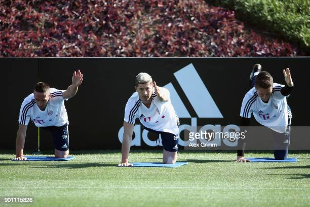 Franck Ribery Robert Lewandowski and RonThorben Hoffmann exercise during a training session on day 3 of the FC Bayern Muenchen training camp at...