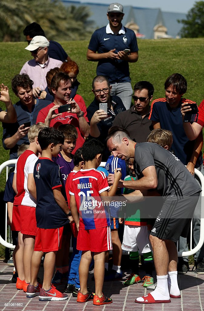 Franck Ribery signes autographs during a training session at day 4 of the Bayern Muenchen training camp at Aspire Academy on January 6, 2017 in Doha, Qatar.