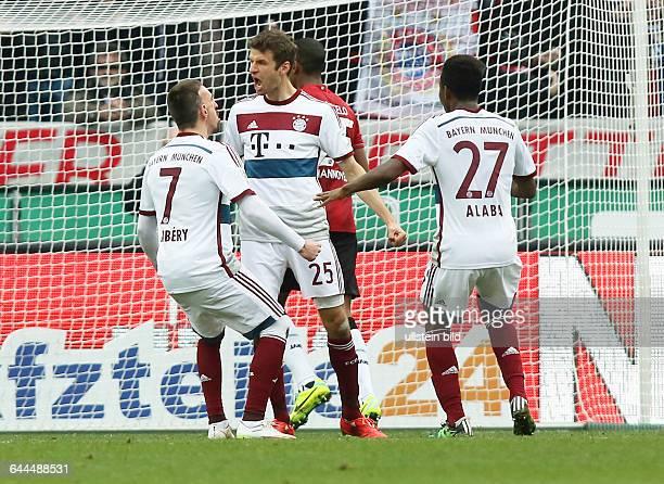 Franck Ribery, Thomas Mueller Müller,David Alaba, Jubel, Freude, Emotion nach Tor zum 1:2 durch Elmeter Thomas Mueller Müller, Hannover 96 - FC...