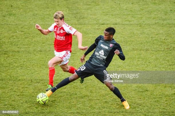 Franck SIGNORINO / Bouna SARR Reims / Metz 26eme journee de Ligue1 Photo Dave Winter / Icon Sport