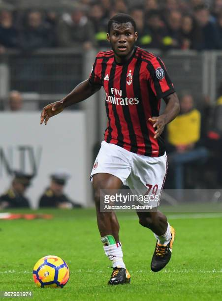Franck Yannick Kessie of AC Milan in action during the Serie A match between AC Milan and Juventus at Stadio Giuseppe Meazza on October 28 2017 in...