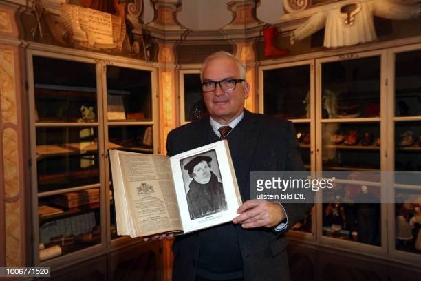 Franckesche Stiftungen Halle Saale Sachsen Anhalt Sachsen-Anhalt ; 1910 wurde ein Luther-Porträt aus der Cranach Schule an das Museum Moritzburg...