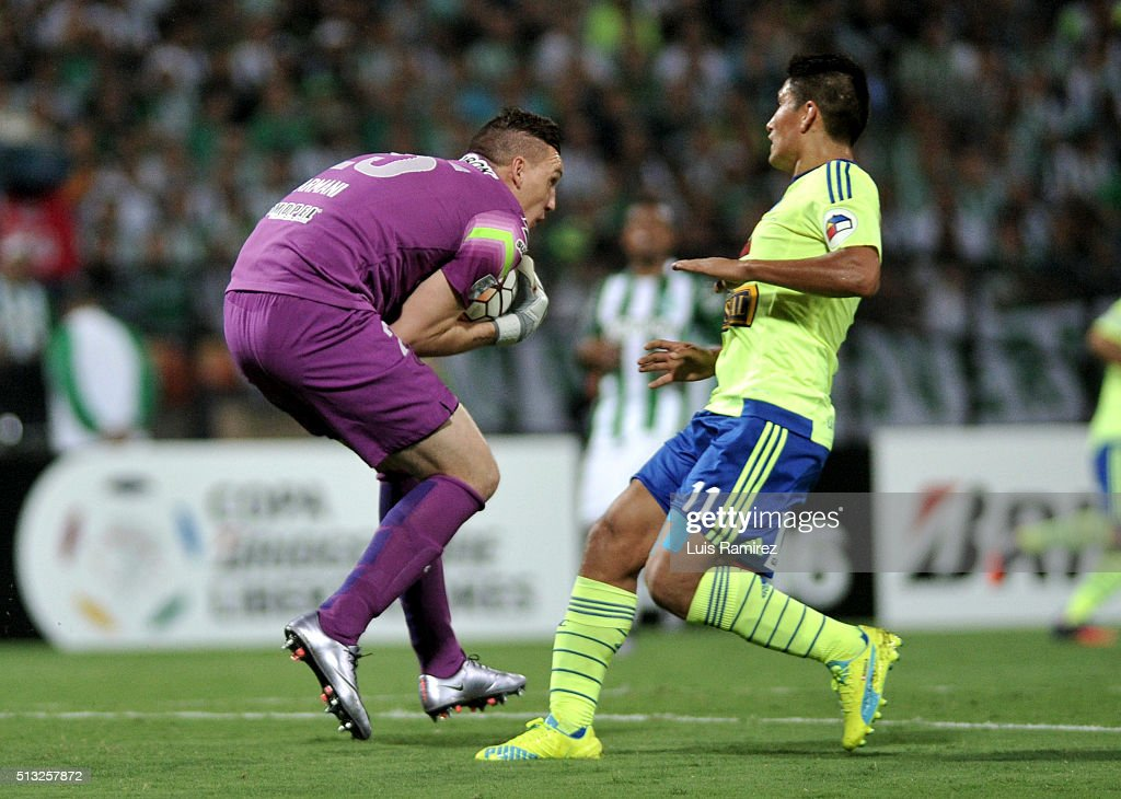 Franco Armani goalkeeper of Nacional makes a save during a group stage match between Atletico Nacional and Sporting Cristal as part of Copa Libertadores 2016 at Atanasio Girardot Stadium on March 01, 2016 in Medellin, Colombia.
