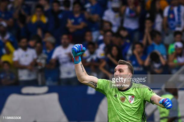 Franco Armani goalkeeper of River Plate celebrates after saving a penalty during a shootout after a match between Cruzeiro and River Plate as part of...