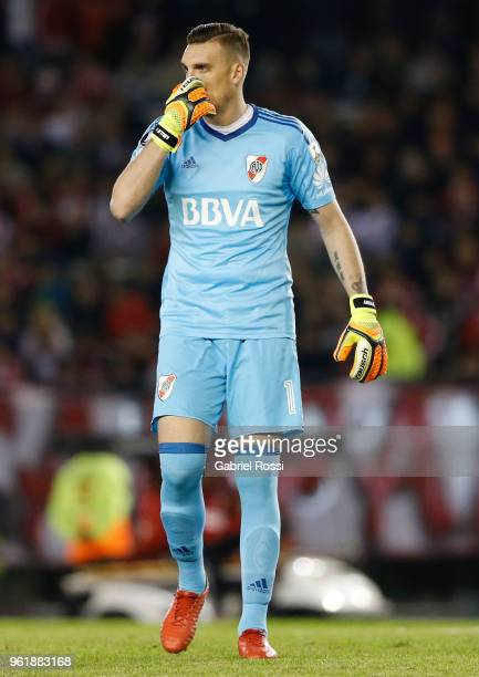 Franco Armani goalkeeper of River Plate looks on during a match between River Plate and Flamengo as part of Copa CONMEBOL Libertadores 2018 on May 23...