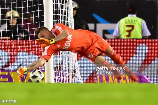 Franco Armani makes a save during a match between River Plate and Rosario Central as part of Superliga 2017/18 at Estadio Monumental Antonio Vespucio...