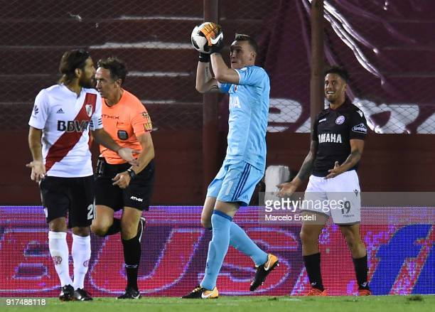 Franco Armani of River Plate catches the ball during a match between Lanus and River Plate as part of the Superliga 2017/18 at Ciudad de Lanus...