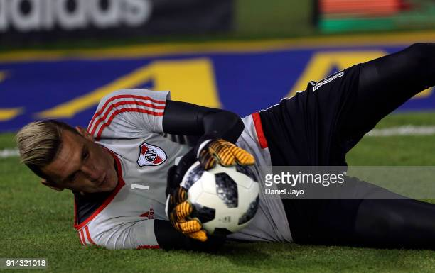 Franco Armani of River Plate warms up before a match between River Plate and Olimpo as part of Superliga 2017/18 at Estadio Monumental Antonio...