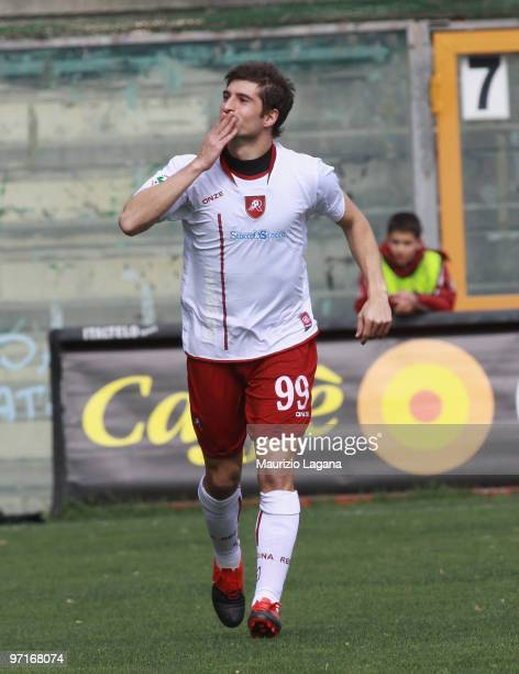 Franco Brienza of Reggina Calcio celebrates a goal during the Serie B match between Reggina and Frosinone at Stadio Oreste Granillo on February 28...
