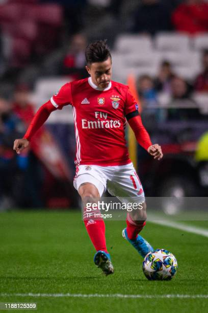 Franco Cervi of SL Benfica controls the ball during the UEFA Champions League group G match between SL Benfica and Zenit St Petersburg at Estadio da...