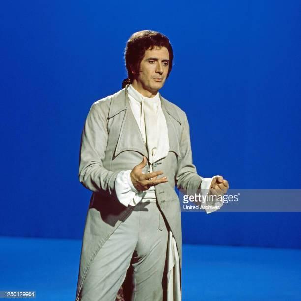"""Franco Corelli, italienischer Opernsänger, zu Gast in der Musiksendung """"Schöne Stimmen"""", Deutschland 1975."""