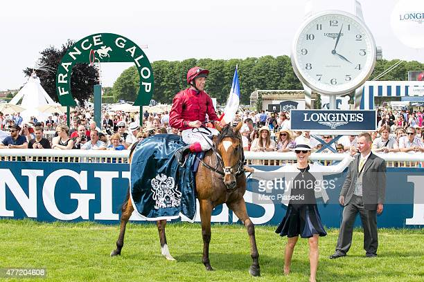 Franco dettori and wife Catherine Dettori win the 'Prix de Diane 2015' at Hippodrome de Chantilly on June 14 2015 in Chantilly France