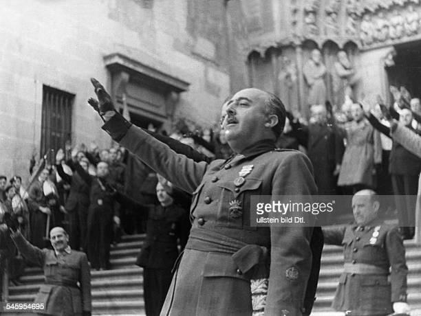 Franco Francisco 'Caudillo' *04121892Politiker Offizier SpanienBuergerkriegStaatsführer 1939 1975General Franco auf einer Kundgebung in Burgos1936