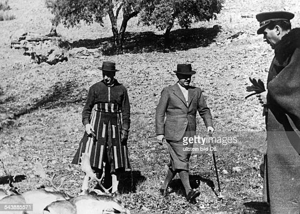 Franco Francisco General Politician Spain*04121892 Head of State 19391975 hunting Photographer PresseIllustrationen Heinrich Hoffmann Published by...