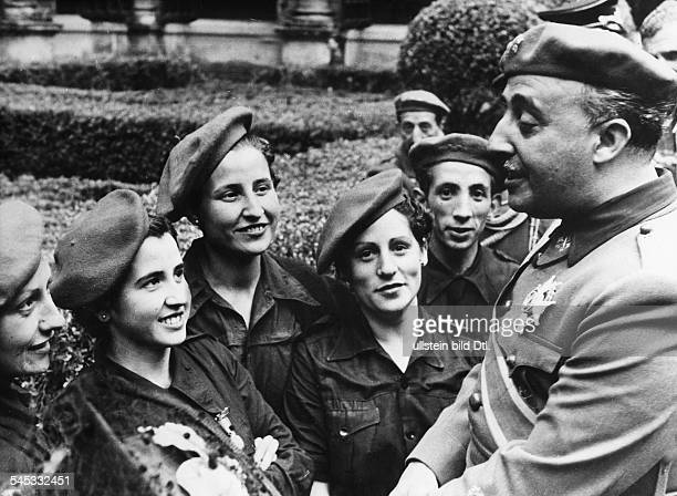 Franco Francisco General Politician Spain*04121892talking with members of the Falange Espanola Photographer Hanns Hubmann Published by 'Dame'...