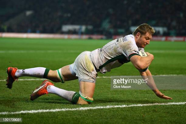 Franco van der Merwe of London Irish scores a try during the Gallagher Premiership Rugby match between Northampton Saints and London Irish at on...
