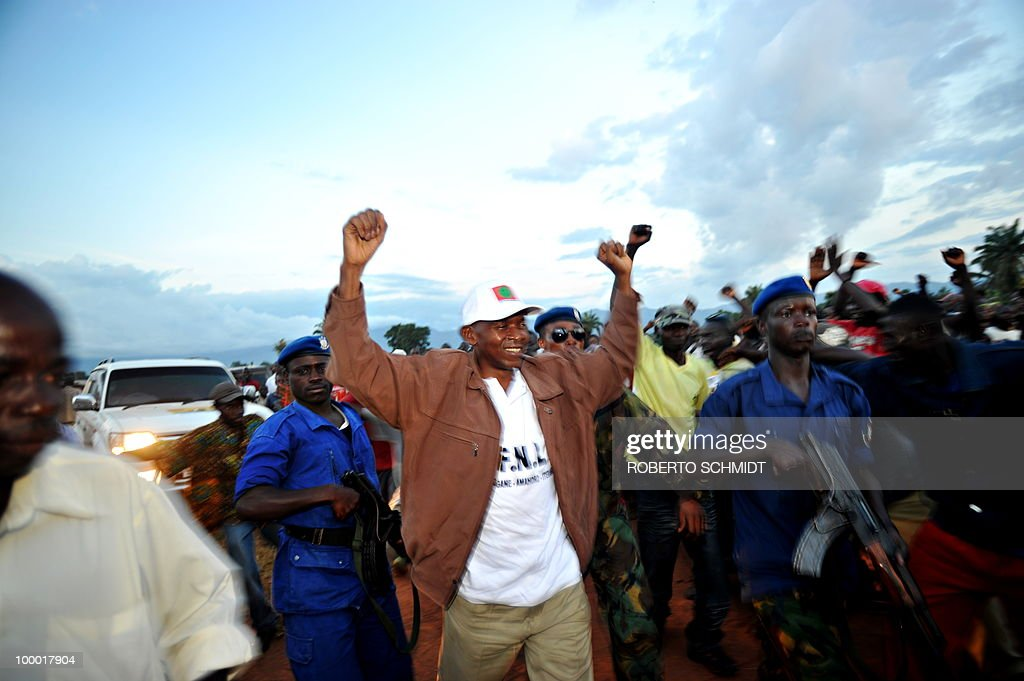 Francois AUSSEILL Presidential candidate Agathon Rwasa (C), greets a crowd of supporters upon his arrival to a political rally in the south western Burundian town of Nyanza-Lac on May 12, 2010. The small African nation of Burundi this week kicks off a tense electoral marathon in which former civil war foes will need to prove they can compete without jeopardising a fragile peace deal. About 3.5 million voters are called to the polling stations on May 21 to elect local councillors in what observers argue is a key popularity test for the main contenders in upcoming legislative and presidential polls.
