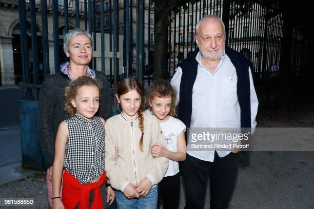 Francois Berleand his wife Alexia Stresi their daughters Adele Lucie and a friend attend the Fete Des Tuileries on June 22 2018 in Paris France