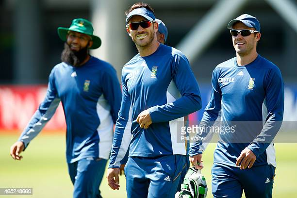 Francois Du Plessis arrives for a South Africa nets session at Eden Park on March 5 2015 in Auckland New Zealand