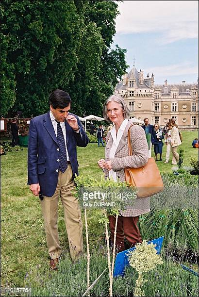 Francois Fillon and Barbara de Nicolay at the Lude for the gardener weekend in Le Mans France on June 02 2002