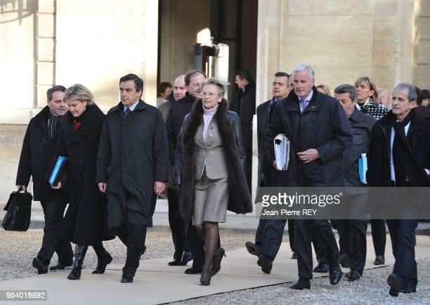 Francois Fillon et son gouvernement arrive à l'Elysée pour le conseil des ministres le 17 janvier 2009 à Paris France