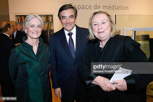Francois Fillon standing between his wife Peneloppe and Miss francois Pinault attend the 'Societe des Amis du Musee National d'Art Moderne' Dinner at...