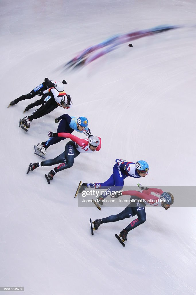 Francois Hamelin of Canada leads the pack in the Men's 1000m quarter finals during day one of the ISU World Cup Short Track at EnergieVerbund Arena on February 4, 2017 in Dresden, Germany.