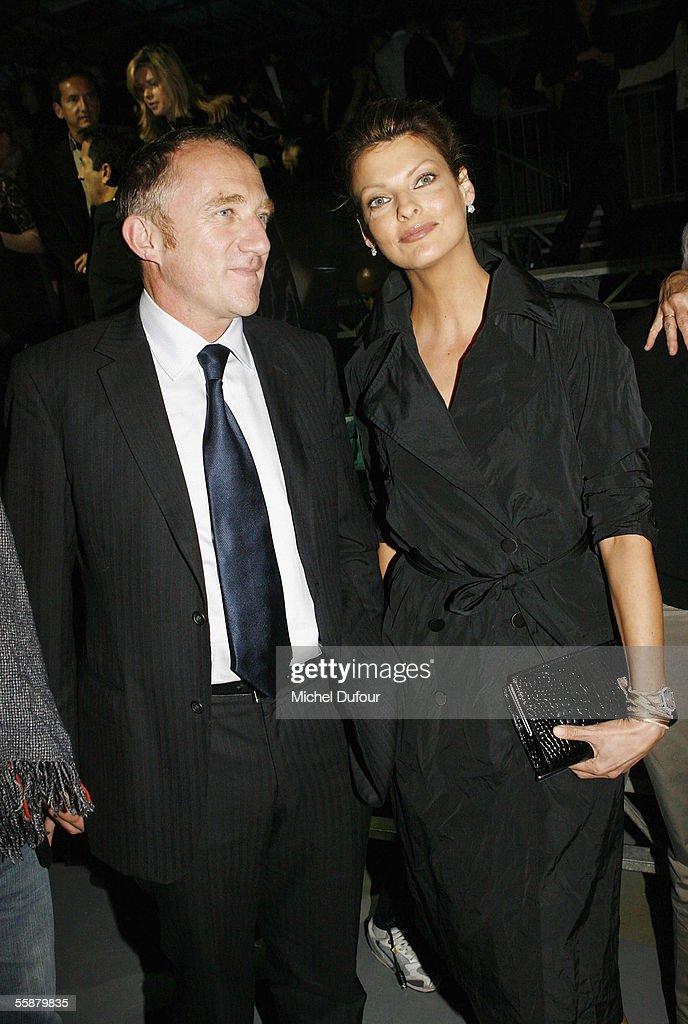 Paris Fashion Week - Alexander McQueen : ニュース写真