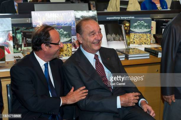 """Francois Hollande and Jacques Chirac visit the Exhibition """" Chine de Bronze et d'Or """" at Musee du President Jacques Chirac on june 11 in Sarran,..."""