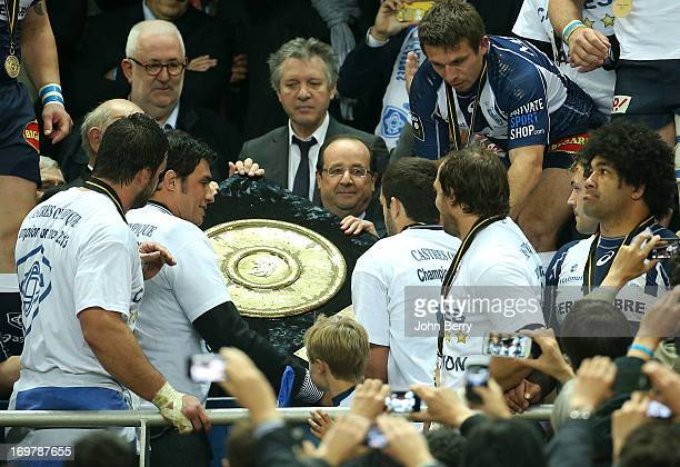 Francois Hollande President of France congratulates the players of Castres for their victory before giving them the trophy the Bouclier de Brennus...