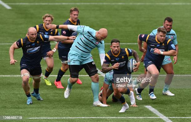 Francois Hougaard of Worcester Warriors breaks with the ball during the Gallagher Premiership Rugby match between Worcester Warriors and Gloucester...